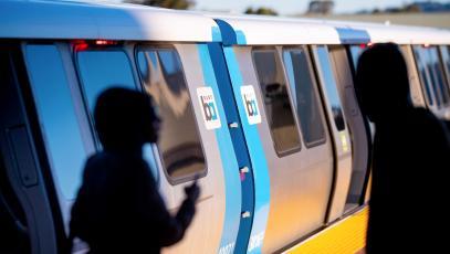 El tren de BART en la estación